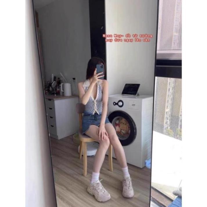 Mặc gì đẹp: Gợi cảm với 💃 Áo Croptop Nữ Kẻ Sọc 3 Lỗ Cúc Cài. TRUNGHIEU . Crt Nữ Cổ Bẻ Hở Lưng 3 Màu Sexy Khó Cưỡng Giá HOT