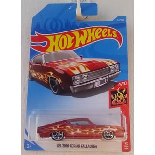 Xe mô hình Hot Wheels '69 Ford Torino Talladega FYC39