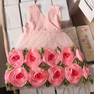 Váy hoa hồng cho bé