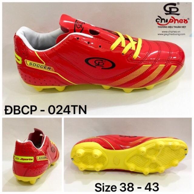 Giày đá bóng đinh cao Chí Phèo 024TN màu đỏ ôm chân, đế chắc chắn