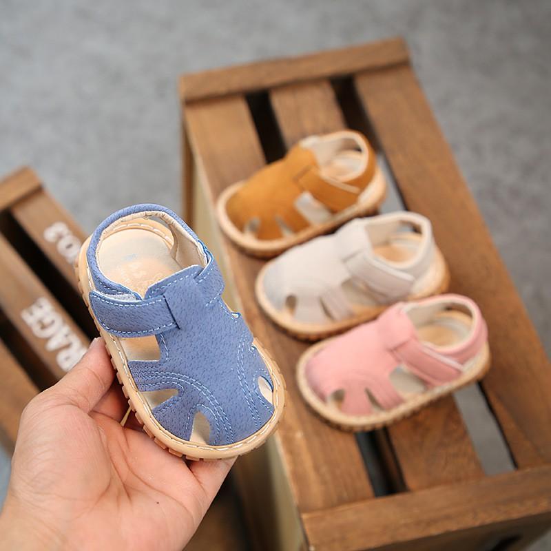 Dép sandal tập đi đế cao su mềm cho bé