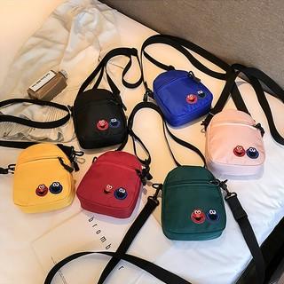 Túi đeo chéo Hàn Quốc họa tiết hoạt hình