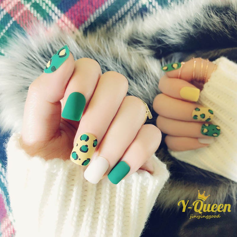 24pcs Lovely Yellow Green Leopard Pattern False Nails Middle Long Full Finished Matte Artificial Fa