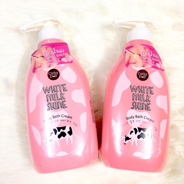 Sữa tắm Cathy Doll White Milk Shine Body Bath Cream 420gram.
