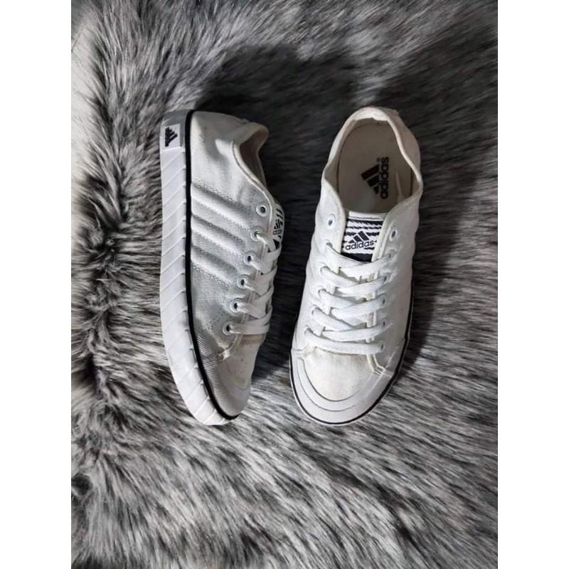 Giày adidas chính hãng size 36 2/3 fix 37( đã dùng) dáng basic