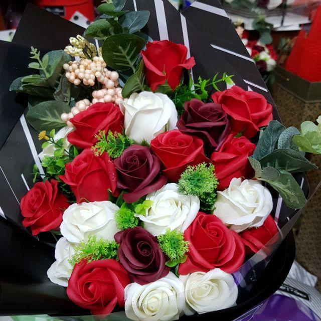 Bó hoa hồng sáp 9b kèm phụ kiện