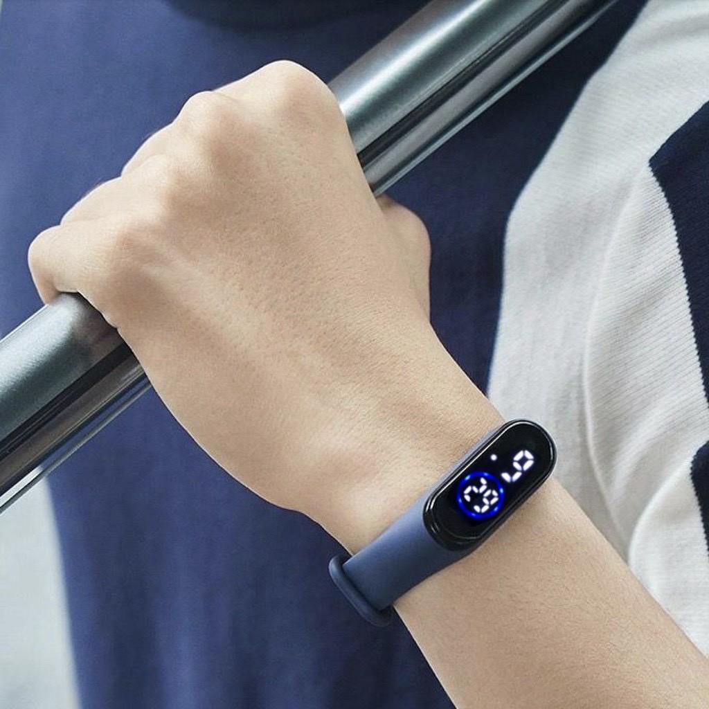 Đồng hồ unisex thể thao Ulzzang sport đèn led chống nước cực tốt mẫu mới hot