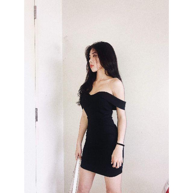 Đầm body trễ vai🌼🌼