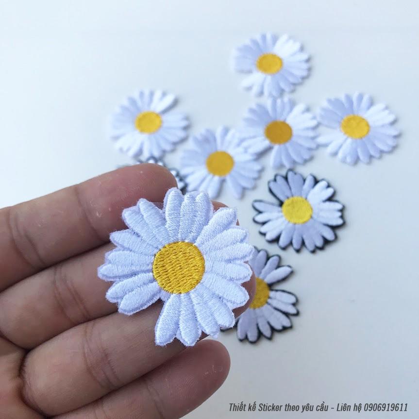 Sticker ủi thêu hình hoa cúc - Phụ kiện Patch logo ủi quần áo balo S13