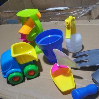 Bộ đồ chơi xúc cát 7 chi tiết cho bé