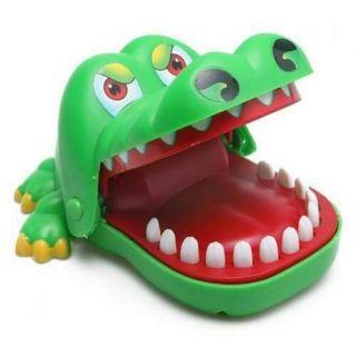 Đồ chơi cá sấu cắn tay cho bé