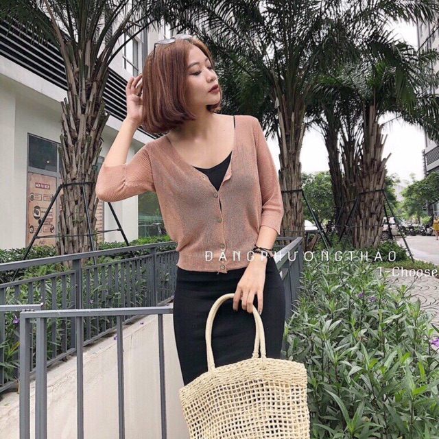 Áo khoác len mỏng dáng ngắn