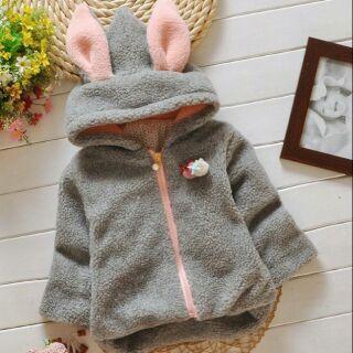 Áo lông xù đẹp tai thỏ cho bé thumbnail