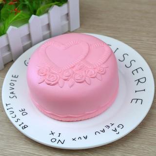 Đồ chơi hình bánh kem dâu đáng yêu giúp giảm căng thẳng squishy
