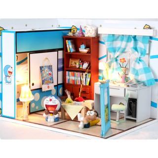 Bộ lắp ghép nhà búp bê – phòng Nobita có cánh cửa thần kỳ (có búp bê Nobita và Doraemon)