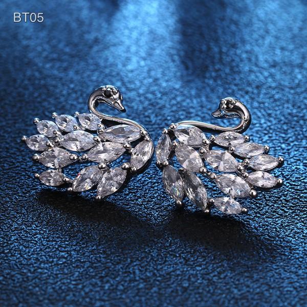 Khuyên tai bạc Ý s925 hình thiên nga đính đá Hàn Quốc (BT05)