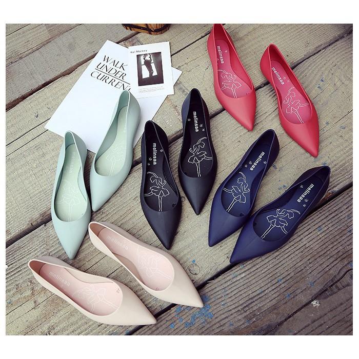 Giày nhựa thơm mũi nhọn siêu mềm nhẹ nhiều màu mẫu mới