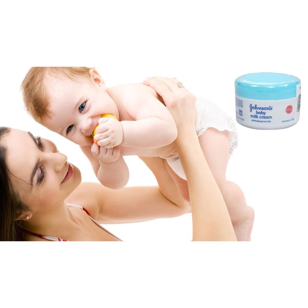 Kem dưỡng da Johnson Baby Cream xanh/hồng 50g (dưỡng ẩm chống nẻ) - 2588228 , 684865352 , 322_684865352 , 55000 , Kem-duong-da-Johnson-Baby-Cream-xanh-hong-50g-duong-am-chong-ne-322_684865352 , shopee.vn , Kem dưỡng da Johnson Baby Cream xanh/hồng 50g (dưỡng ẩm chống nẻ)