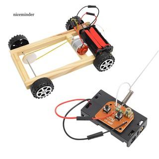 Mô hình xe ô tô đồ chơi tự lắp ráp điều khiển từ xa dành cho các bé thumbnail