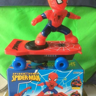 Đồ chơi người nhện trượt ván
