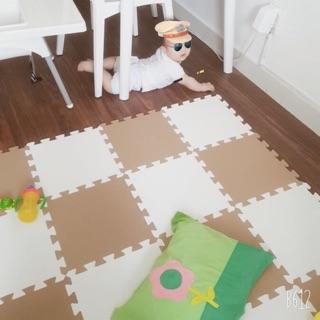 COMBO Thảm xốp 2 màu: trắng và coffee ~ 20 miếng, KHÔNG MÙI TIÊU CHUÂN CHÂU ÂU
