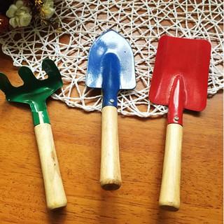Bộ dụng cụ làm vườn an toàn cho bé
