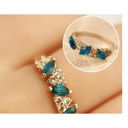 Nhẫn đính đá xanh