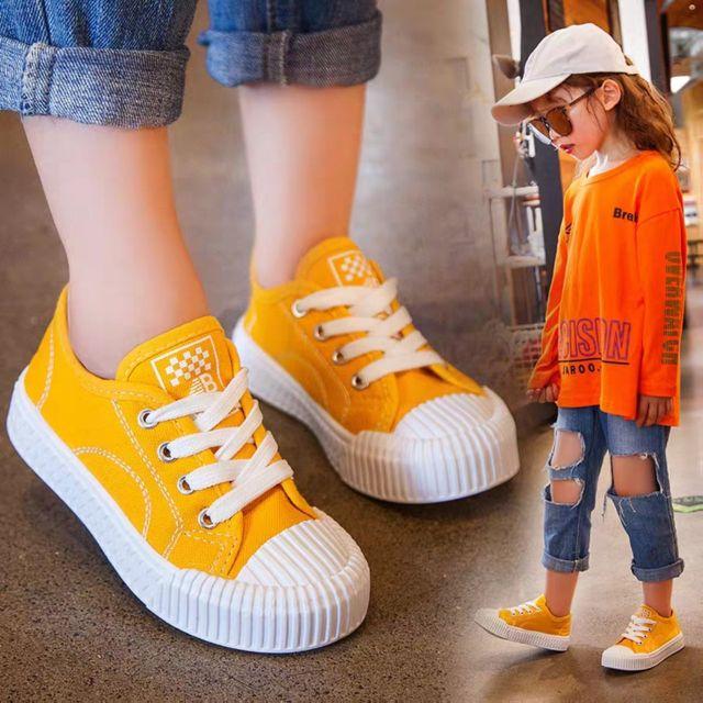 Giày thời trang siêu hót cho bé