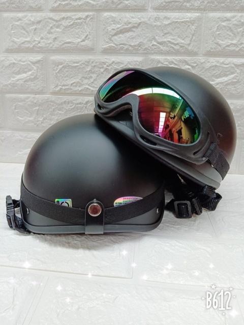 Mũ bảo hiểm 1/2 cao cấp + kèm kính UV đẹp, khóa vuông chắc chắn - màu trơn sơn nhám Freesize 55-61cm mẫu mới 2021