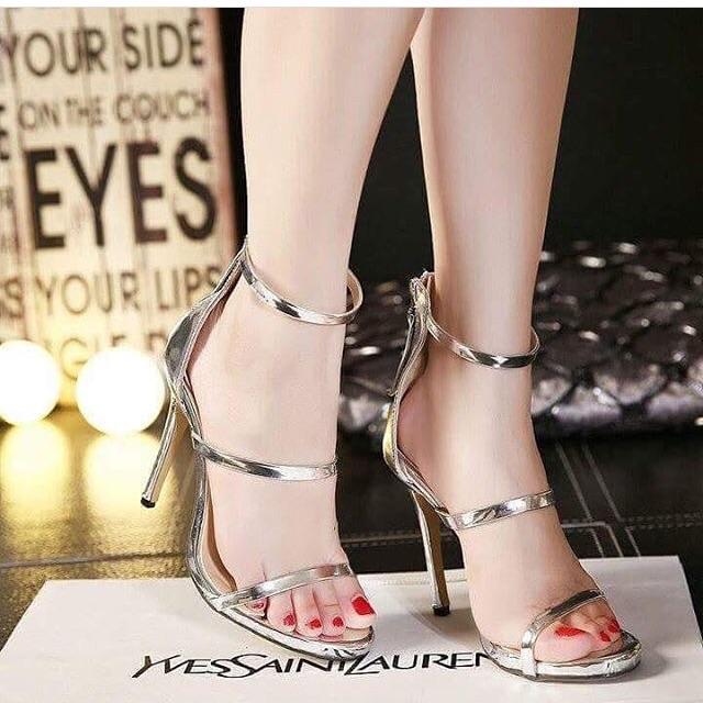 Giày cao gót Bích Phương
