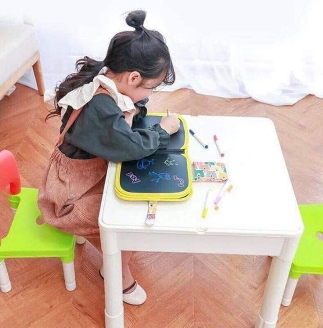 Tập vẽ bảng sách cho bé