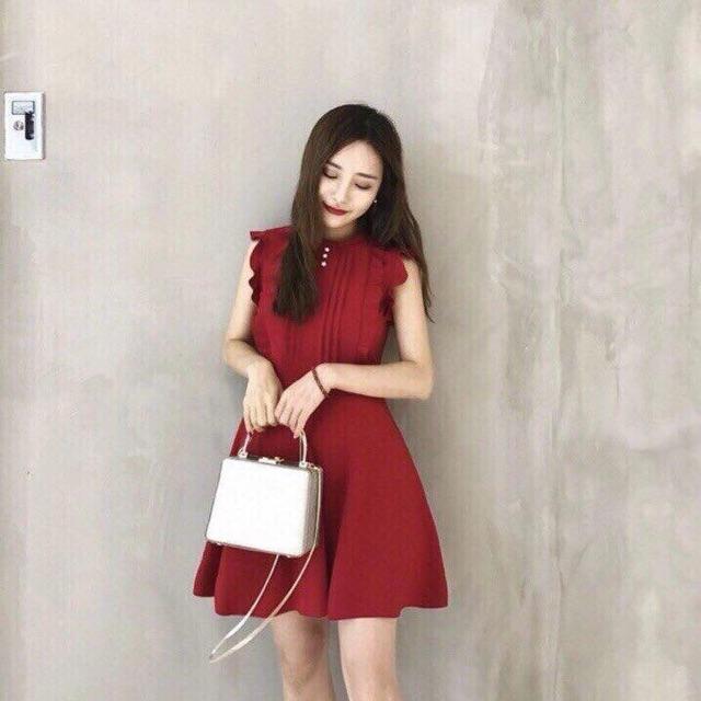 Đầm đỏ viền cánh tiên (có cận vải)