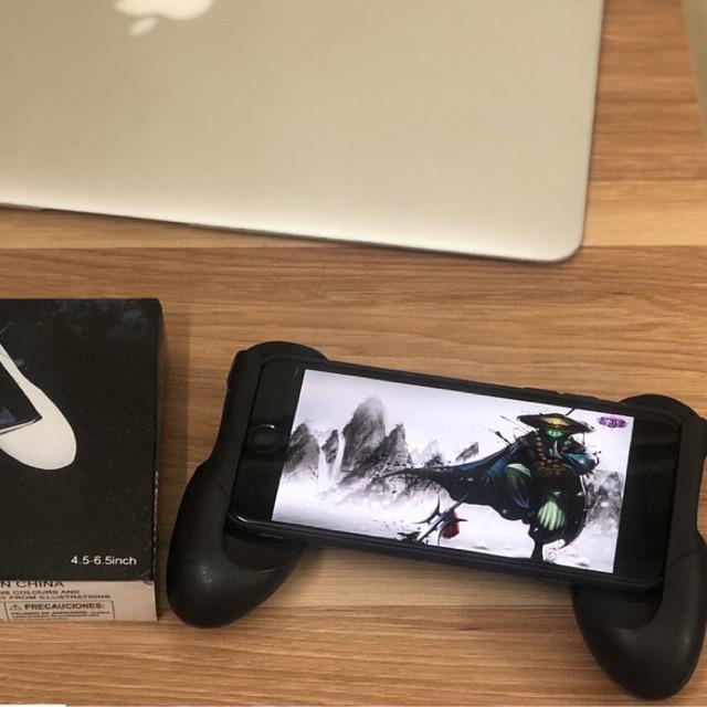 GamePad Tay cầm kẹp điện thoại chơi game tiện lợi - 3410080 , 1214639835 , 322_1214639835 , 18000 , GamePad-Tay-cam-kep-dien-thoai-choi-game-tien-loi-322_1214639835 , shopee.vn , GamePad Tay cầm kẹp điện thoại chơi game tiện lợi