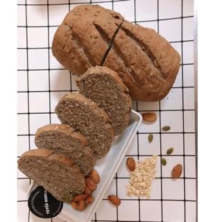 Bánh mì đen nguyên cám mix hạt 300g (10 lát), bánh mì đen healthy,bánh ăn kiêng, giảm cân
