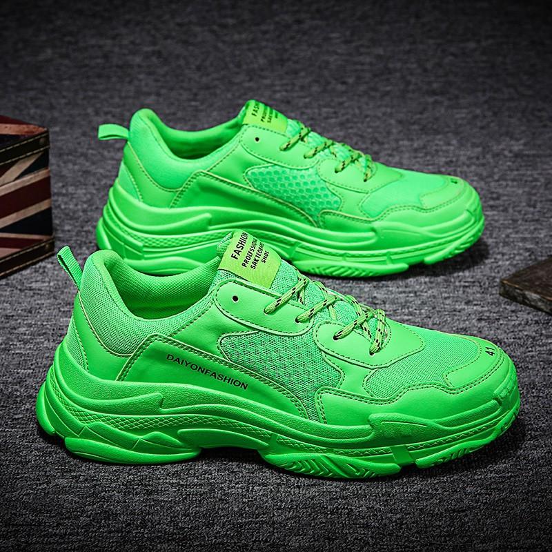 【จัดส่งฟรี】องแนวโน้มของรองเท้ากีฬาน้ำป่าที่เพิ่มขึ้นในรองเท้าเก่าอินส์สีแดงตาข่าย