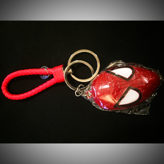 SpidermanพวงกุญแจAvengerพร้อมสายห้อยอย่างดีวัสดุเป็นโลหะพร้อมส่ง