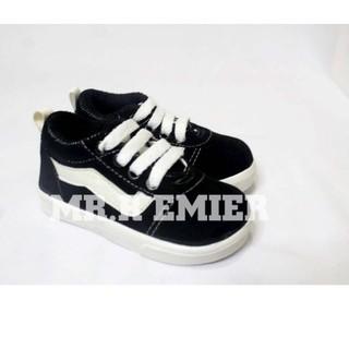 Giày Thể Thao Kẻ Sọc Phiên Bản Giới Hạn Cho Bé Từ 1-3 Tuổi