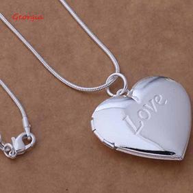 Dây chuyền mạ bạc 925 mặt hình trái tim khắc chữ Love thời trang cho nam nữ - 14126393 , 1486460687 , 322_1486460687 , 43782 , Day-chuyen-ma-bac-925-mat-hinh-trai-tim-khac-chu-Love-thoi-trang-cho-nam-nu-322_1486460687 , shopee.vn , Dây chuyền mạ bạc 925 mặt hình trái tim khắc chữ Love thời trang cho nam nữ