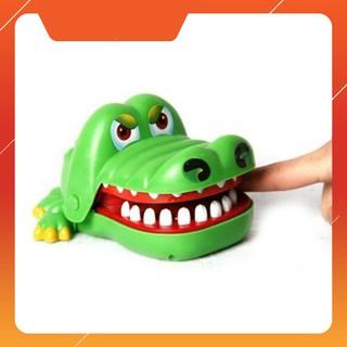 Bộ trò chơi cá sấu cắn tay | TẠI BA ĐÌNH