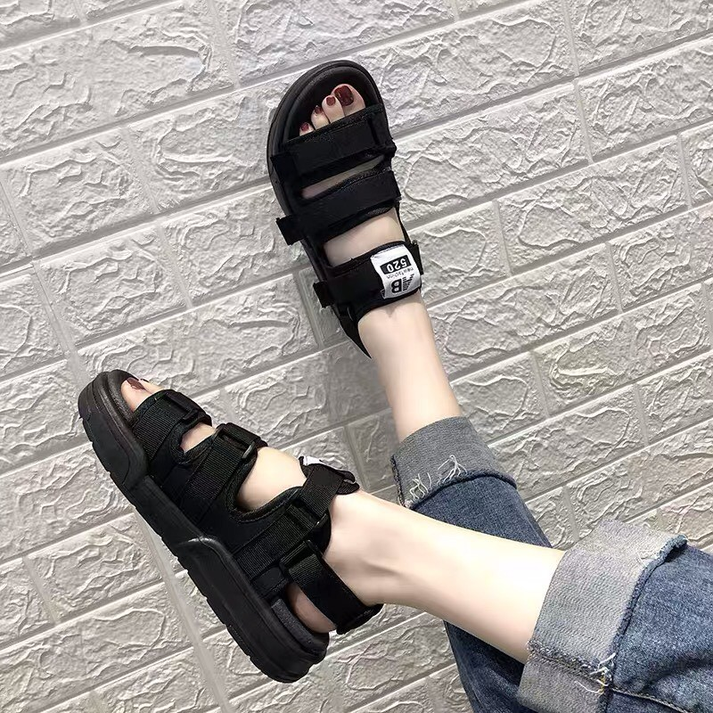 Sandal nam và nữ chất đẹp