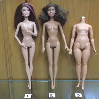Búp bê Barbie chính hãng đã qua sử dụng