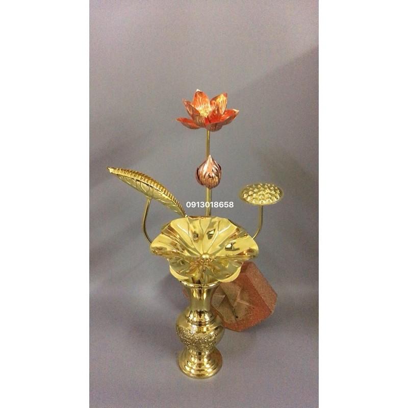 Hoa sen thờ bằng đồng vàng pha đỏ 5 bông.