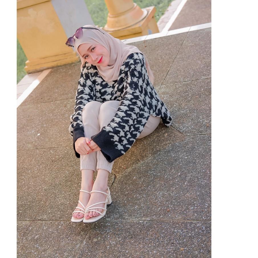Giày Sandal Cao Gót 5cm Kiểu Dáng Trẻ Trung Quyến Rũ