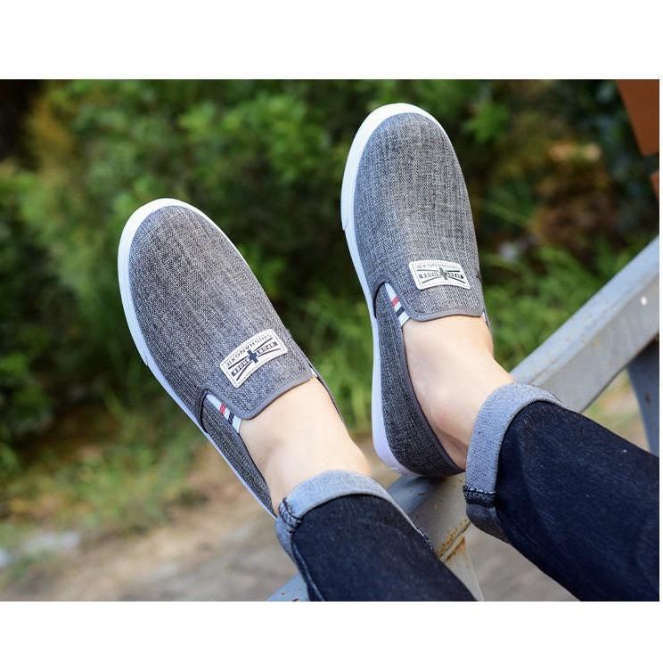 Giày lười mọi nam SporrtShoes 2 logo 2 màu đen và xám thoáng khí
