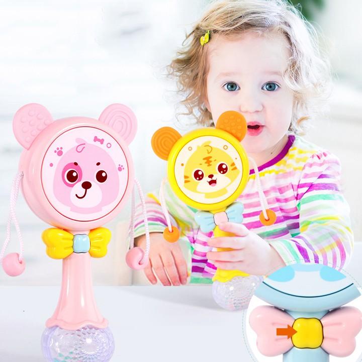 Lục lạc cho bé, đồ chơi lục lạc cho bé xúc xắc có nhạc và đèn phát sáng hình mặt gấu ngộ nghĩnh BBShine – DC050