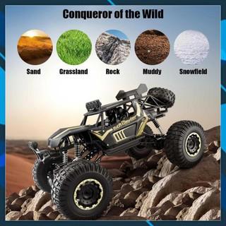 Mới về Siêu lớn nửa mét thân xe hợp kim leo núi điều khiển từ xa 4WD Mountain Bigfoot mô hình đồ chơi xe địa hình 1: 8