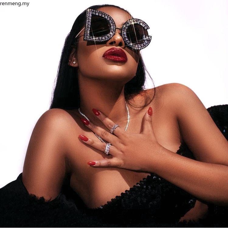 Thời trang mới Kính mát tròng Oversized hoạ tiết chữ đính kim cương giả cho nam