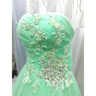 váy cưới cúp ngực màu xanh ngọc, hàng lướt