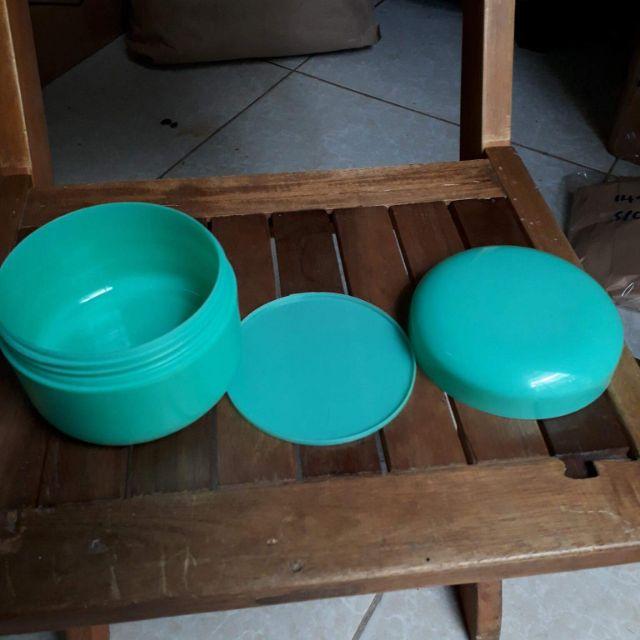 Thanh lý hủ kem 200gram màu xanh