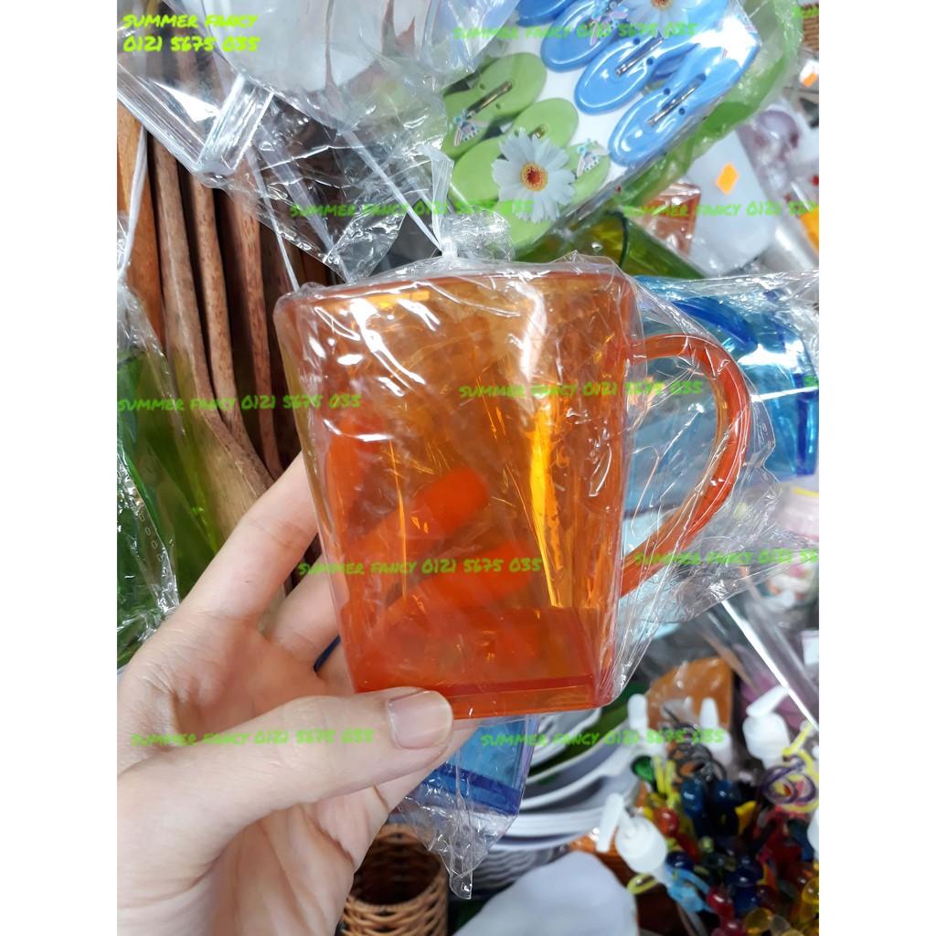 Cốc nhựa có quai trong suốt nhiều màu / Ly nhựa cho bé - plastic cup with handle - 3008032 , 716416357 , 322_716416357 , 11000 , Coc-nhua-co-quai-trong-suot-nhieu-mau--Ly-nhua-cho-be-plastic-cup-with-handle-322_716416357 , shopee.vn , Cốc nhựa có quai trong suốt nhiều màu / Ly nhựa cho bé - plastic cup with handle
